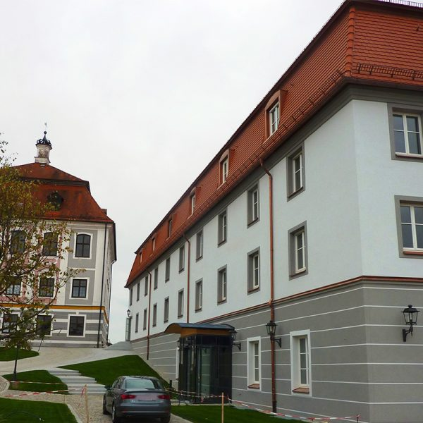 4 Sterne Hotel Schloss Leitheim mit Wellnessbereich