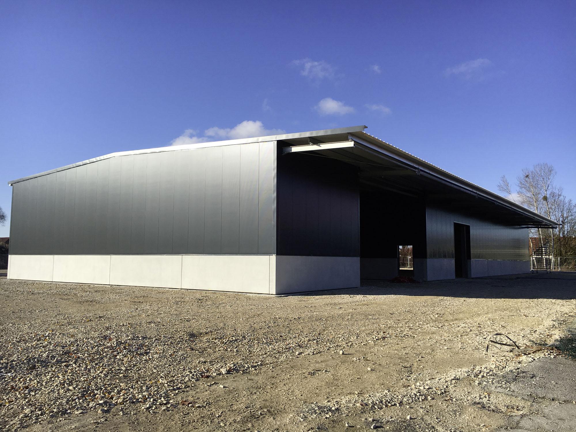 Die neue Lagerhalle von DTB