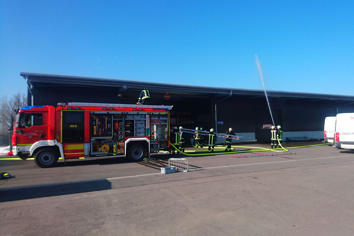 Feuerwehrübung bei DTB Ausbau
