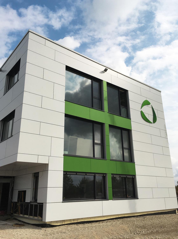 Fassede des Bürogebäudes der Firma Zawi Treuhand von DTB Ausbau erstellt
